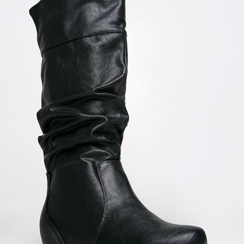 TAIL BOOT