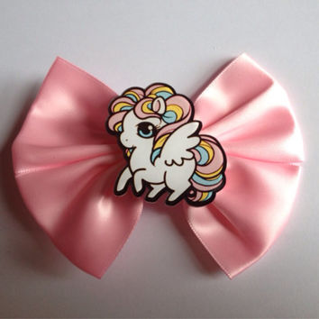 Cute Pastel Pink Pony Hair Bow Hairbow Fairy Kei Sweet Lolita Pastel Goth Rainbow Wings Unicorn Pegasus Cartoon Scene Decora horse