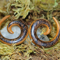 Tribal Teak n Palm Wood Spiral Taper Gauges 6g (4 mm), 2g (6 mm)