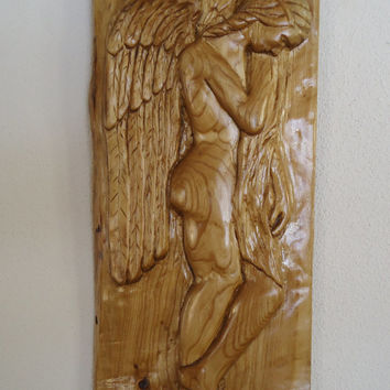 Maple wood Angel carving - Wood wall sculpture -  Hand carved Angel figure - Wood sculpture - Gift for remembrance - Memorial statue - Art