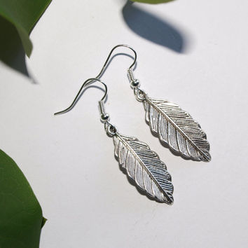 Leaf earrings Silver earrings Delicate jewelry Gift for her Dangle earrings Gift for daughter Leaves earrings Nature inspired earrings