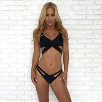 Double Cross Over Bikini Set In Black