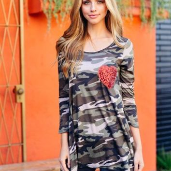 Darby Camo Heart Top (S,M,L)