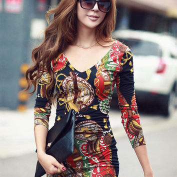 Vintage Print Low Back V-Neck Long Sleeve Bodycon Mini Dress