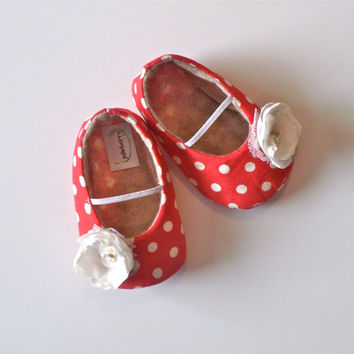 VIVI baby girl shoes. Red and white polka dot