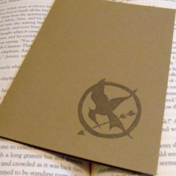 Hunger Games Mockingjay Pin Stamped Note Cards by prettypetalspaper
