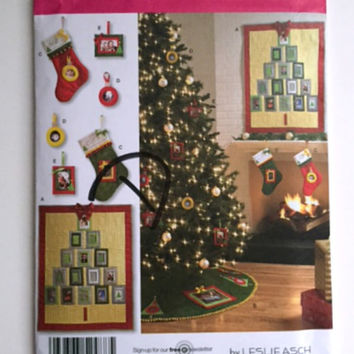 Simplicity 2488 Sewing Pattern Christmas Ornaments Tree Skirt Stocking Holiday Home Decor New Uncut