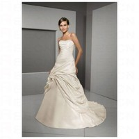 Chic White Taffeta Rouched Skirt Sweetheart Neckilne Strapless Wedding Dress