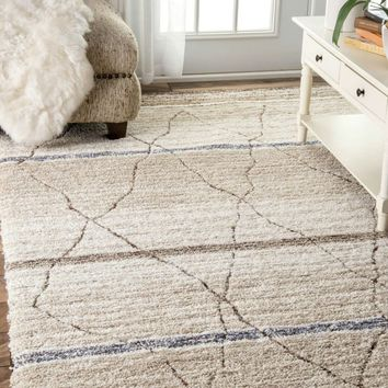NuLOOM Hand Tufted Moroccan Arica Shag Rug Beige