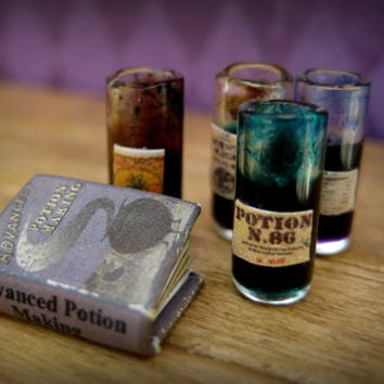 Glass Potions Bottle in 1/24 dollhouse miniature scale: Potion D