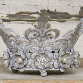 Metal Crown,Crown Candle Holder,French Crown,Metal Candle Holder,Shabby Cottage Decor,French Country,Crown Decor,French Country