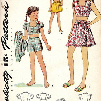 1940s Simplicity Sewing Pattern Girls Playsuit Midriff Blouse Shorts Wrap Skirt Beach Fashion Vintage Style Size 6