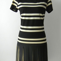 Vintage 1960s Black & White Mod Dress, Flapper Style, Medium to Large