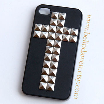 iphone 4 case, iphone 4s case, cross silver pyramid stud black iPhone 4/4S case, case for iphone 4/4S, Hard iphone case, steampunk