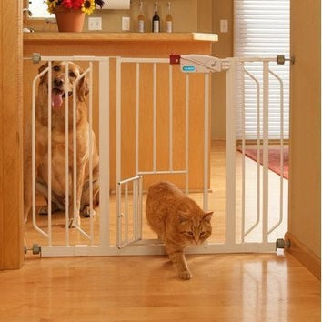 Carlson Extra Wide Gate with Pet Door