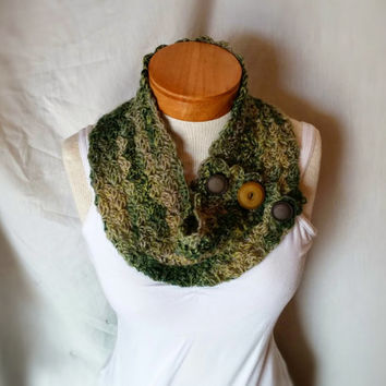 Camo button scarf Fall wool neckwarmer cowl  Olive green tan collar  Vintage buttons women teen crochet
