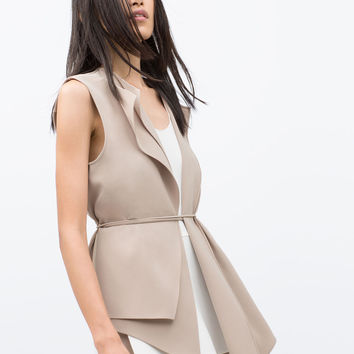Flowing waistcoat with drawstring