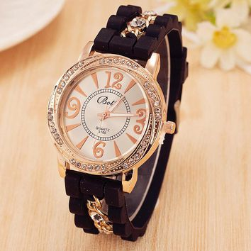 Hot Sale New Luxury Brand Silicone Watch Women Dress Quartz Watch Gold Chain Rhinestone Bracelet Watches