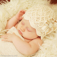 Crochet Baby Beanie in Creamy Ivory - Baby Girl Hat with Flower - Baby Knit Hat, Infant Hats, Baby Newborn Hat for Girl, Baby Clothing