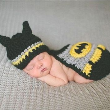 ONETOW Crochet Newborn Baby Batman Superhero Hat Mask & Cape Costume Photography Props (Color: Black)