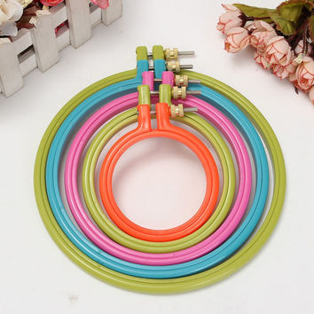 Simple Plastic Frame Embroidery Hoop Ring Circle Round Loop For CrossStitch DIY Hand Needlecraft Household Craft Sewing Tools