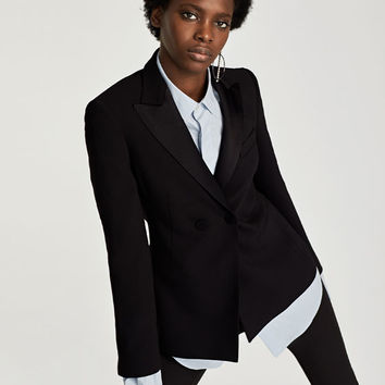 JACKET WITH CONTRASTING LAPELS