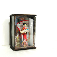 Vintage Shadow Box Diorama Japanese Woman Mirror Souvenir