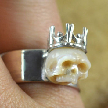 Carved Skull Pearl Ring Wearing Crown on Thick Sterling Silver Band - Carved Pearl Jewelry - Gift for him - Gift for her - Halloween Jewelry
