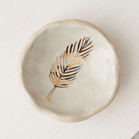 Pickle Pottery Feather Catch-All Dish - Urban Outfitters