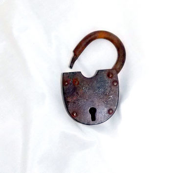 Accessories, Old Lock, Pad Lock, Lock Décor, Farmhouse, Antiques, Rustic, Barn Decor, Collectables, Dcor Lock, Keys Lock, metal lock