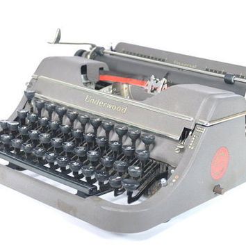 Vintage Underwood Universal Portable Manual Typewriter - Working