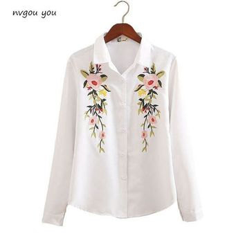 DCCKON3 nvyou gou 2018 Floral Embroidered Blouse Shirt Women Slim White Tops Long Sleeve Blouses Woman Office Shirts  plus size
