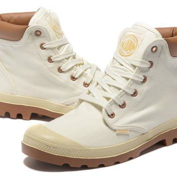Palladium Pampa Cuff Wp Lux Men Martin Boots White Brown - Beauty Ticks
