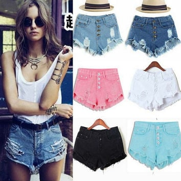 Two Pockets Buttoned Frayed Denim Shorts