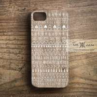 Boho iPhone 5 case - Boho iPhone 4 4s case - Aztec iPhone 4 4s 5 case, Indian African Tribal iPhone 4 4s 5 case, white painted wood (c64)