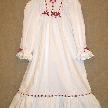 Custom girls nightgown , white Christmas nightgown , girls Victorian nightgown , red ribbon , toddler nightgown , long sleeve , sizes 2-6