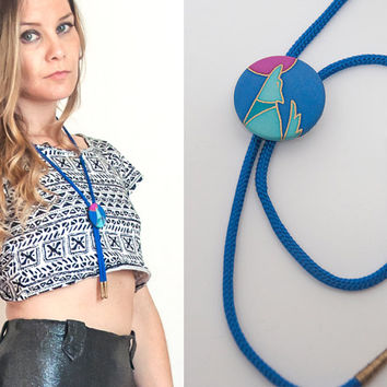 80s Cobalt Blue Howling Wolf Bolo Tie | Funky Bright Colored Hand Painted Southwestern Bolo Tie | 70s Tribal Western Native American Jewelry