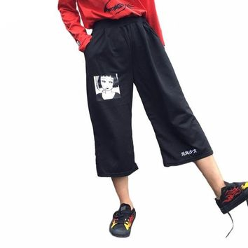 NOVELTY GRAPHIC LETTERED CAPRIS