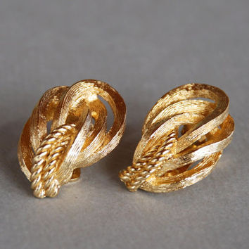Vintage CHRISTIAN DIOR Clip Earrings Gold Tone Knots Textured Rope 1980's // Vintage Designer Costume Jewelry