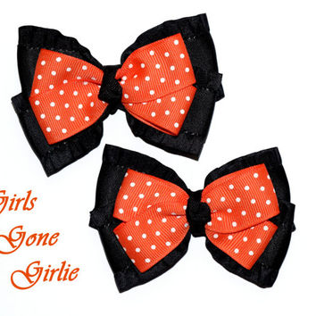 Halloween hair bows , black and orange bows , Halloween baby , girls Halloween bows , toddler Halloween , boutique bow , matched set