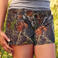 Wilderness Dreams Women's Camo Shorts - Mossy Oak - 605021