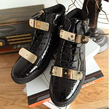 Patent Leather Men Boots Fashion Crocodile Warm Autumn Ankle Boots Outdoor Waterproof Rubber Sole Boot Cool Metal Design