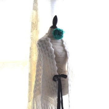 50% off Sale Winter white Stevie Nicks style crochet shawl, Bohemian gypsy rock goddess cape, Vintage boho clothing, Gifts True rebel clothi