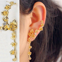 Dangling Golden Rose Ear Cuff (Single, No Piercing)