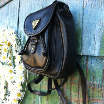 Vintage 90's Guess USA Mini Black Faux Leather Backpack Rucksack Grunge Biker Babe Goth Boho Handbag Purse Shoulder Bag Top Open