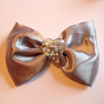 Holographic Silver Hair Bow Hairbow Grunge 90s Nostalgia Space Age Fairy Kei Resin Heart Confetti Star Sprinkles Shiny Metallic