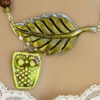 Cute Green Ceramic Owl and Hand-painted Leaf Pendant Necklace