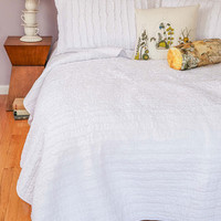ModCloth Boho White and Day Quilt Set in Full, Queen