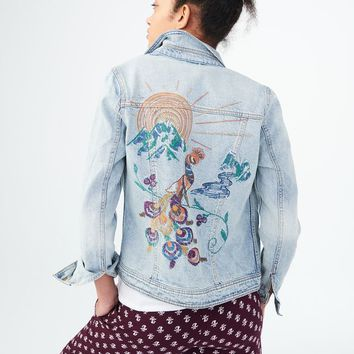 LIGHT WASH EMBROIDERED PEACOCK DENIM JACKET