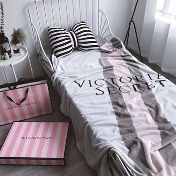 DCCKSP2 Victoria's secret Warm Flannel Blanket